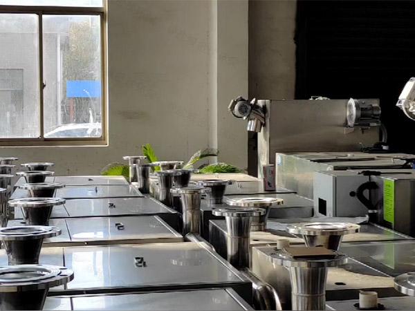厨下型地下自动排水油水分离污水处理设备的构造
