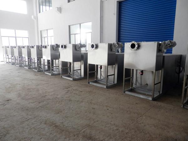 餐用室外全能型一体化隔油池设备制作方法